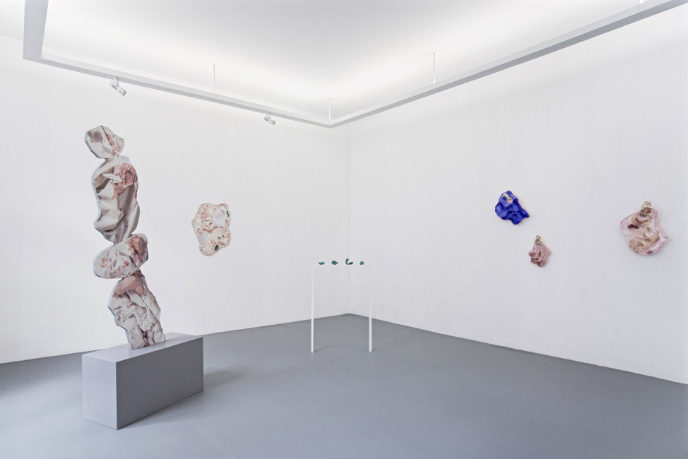 Rachel De Joode – Surfaces – Installation View, 2015 © Neumeister Bar-Am