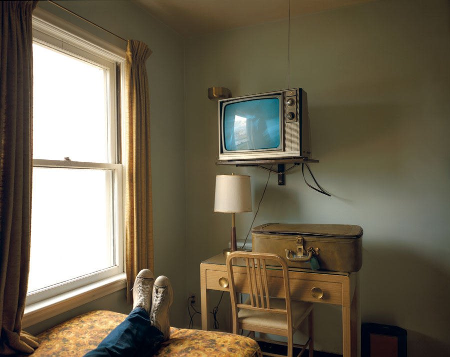 """Room 125, Westbank Motel, Idaho Falls, Idaho, July 18, 1973. From The Series """"Uncommon Places"""" © Stephen Shore. Courtesy 303 Gallery, New York"""