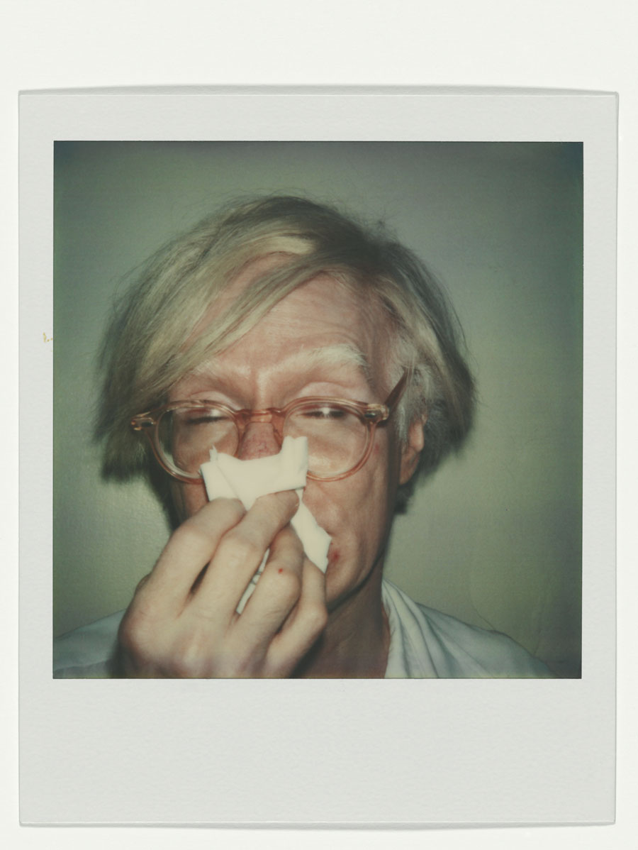 Andy Warhol, Andy About To Sneeze, 1978, Polaroid SX-70 Andy Warhol Artwork © The Andy Warhol Foundation For The Visual Arts, Inc. / Artists Rights Society (ARS), New York, Courtesy Fotosammlung OstLicht