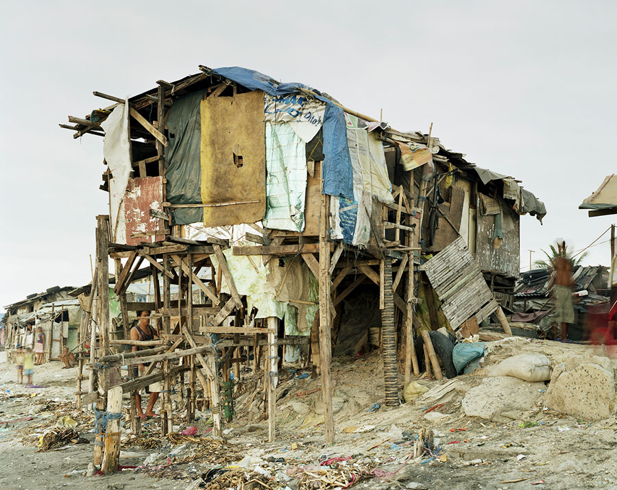 From The Series CASE STUDY HOMES, 2008. Courtesy/Copyright Peter Bialobrzeski