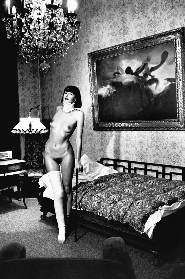 Helmut Newton, Jenny Capitain, Pension Florian, Berlin 1977 © Helmut Newton Estate