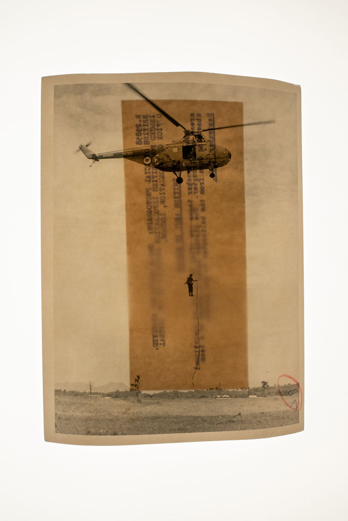 © Sim Chi Yin, From The SeriesInterventions,2020, Original Archive Image: Imperial War Museums Collection (British Combat Troops Abseiling Down From A Helicopter, Malaya, September 1964), Pigment Print On Foil, 59,4 × 42 Cm, 1/3 + 2 AP. Courtesy Of The Artist And Zilberman, Istanbul/Berlin
